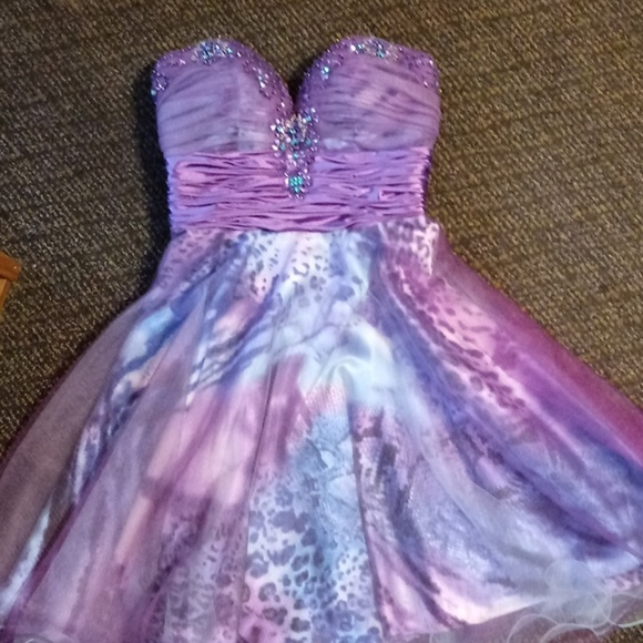 Jovani Dresses & Skirts - Purple Sweetheart neckline Prom Dress